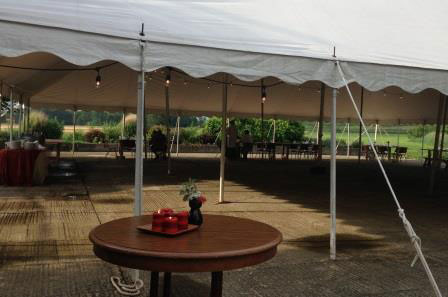 Enjoy the pastoral vistas while dining al fresco under a white tent on Gigis lawn.